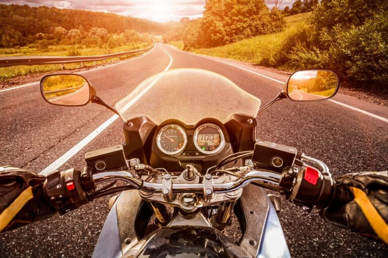 Motorcyclists-view-of-riding-a-motorcycle-on-empty-road